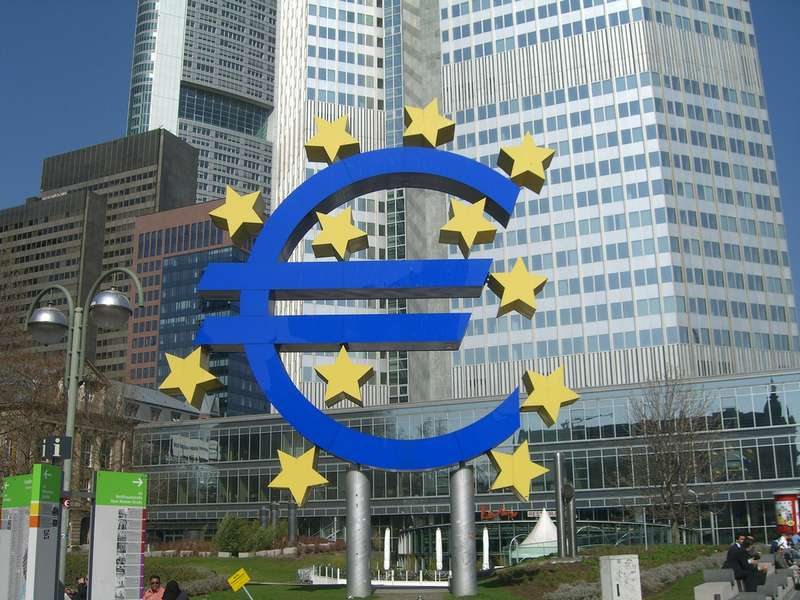 Soured credit at euro zone banks falls to new low despite recession: ECB