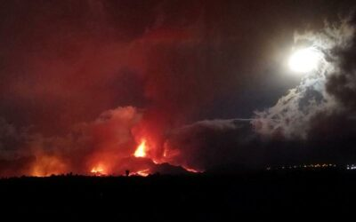 More evacuations as lava gushes from Canaries volcano